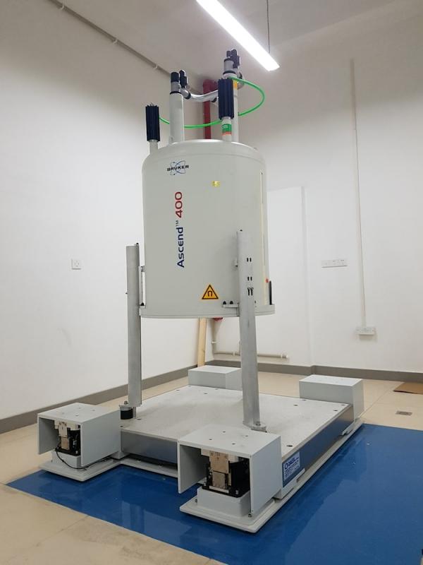 BRUKER-NMR